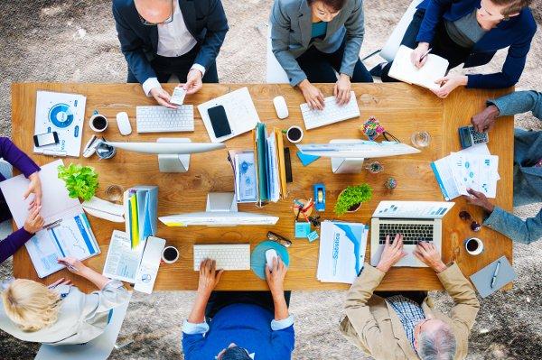 Autonomos emprendedores incuatro servicios informaticos para empresas en valencia